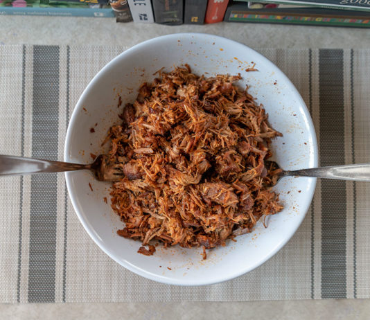 Quick pulled pork shredded ready to eat