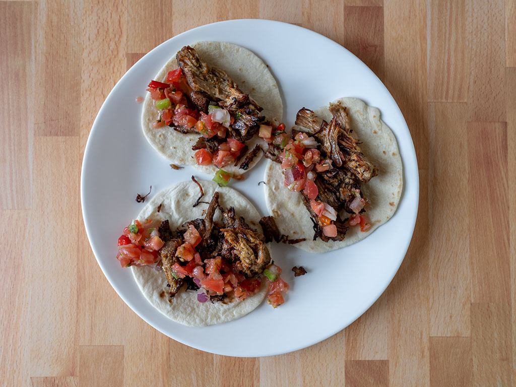 Carnitas with pico de gallo
