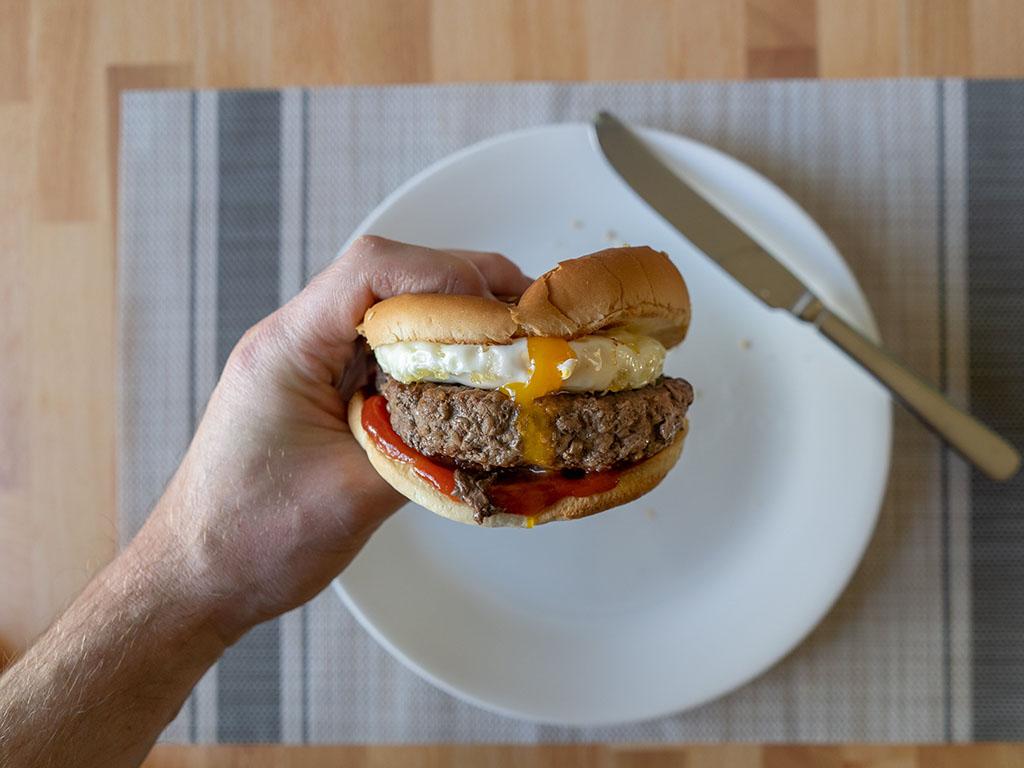 Air fried egg with Sam's Choice burger