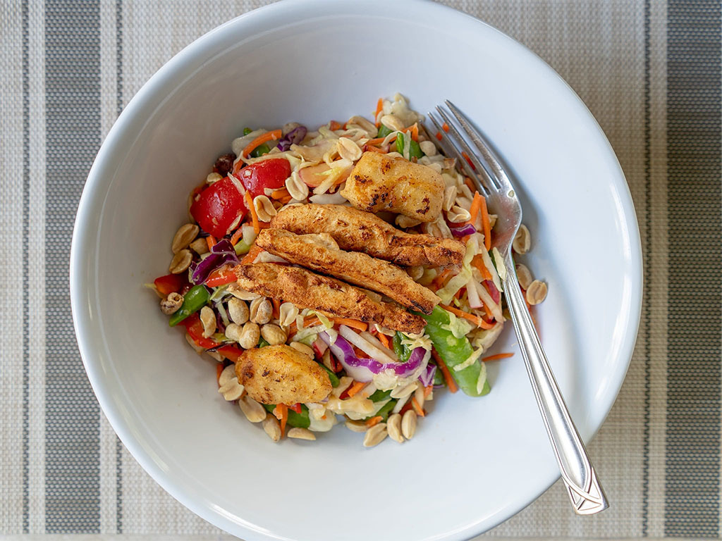 Asian salad with Gardein chicken strips