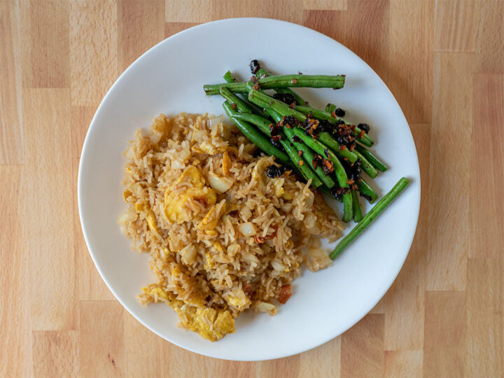 Egg fried rice with green beans with fermented black beans