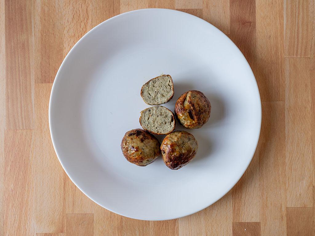 Simple Truth Italian Seasoned Chicken Meatballs cooked interior
