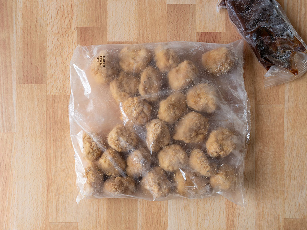 TGI Fridays Boneless Chicken Bites Honey BBQ frozen