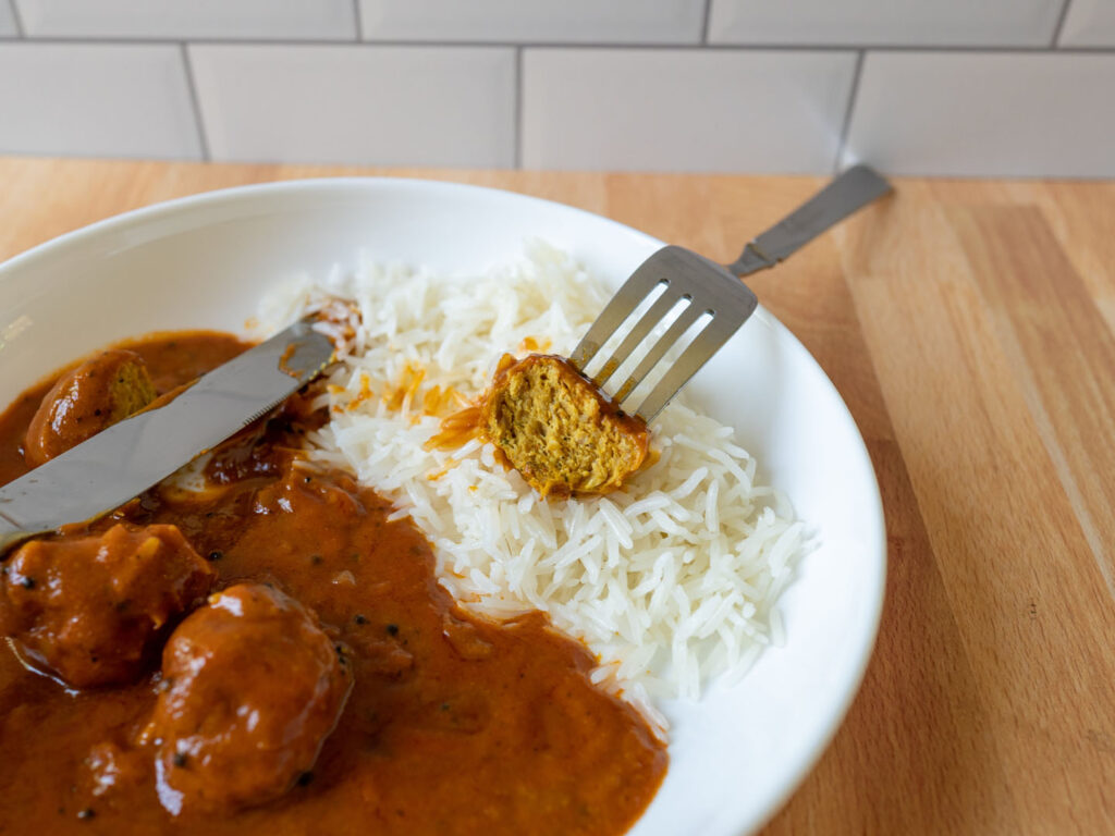 Saffron Road Madras Curry and Chicken Meatballs meatball cooked