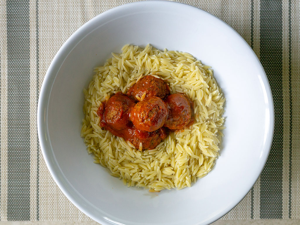 Gardein meatballs with orzo and garlic tomato sauce