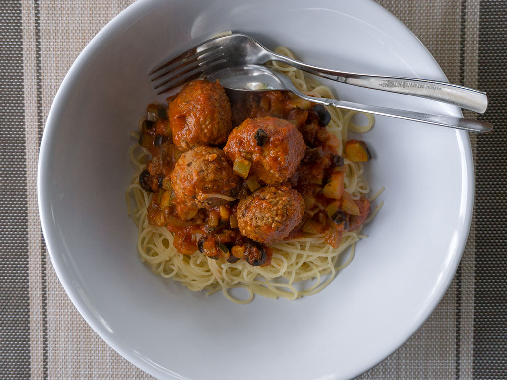 Spahetti with Gardein meatballs