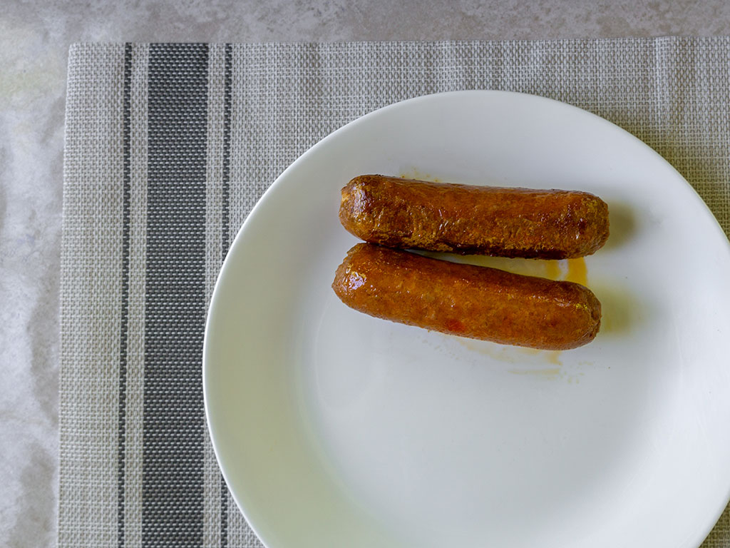 Beyond Sausage - Hot Italian links out of the pan