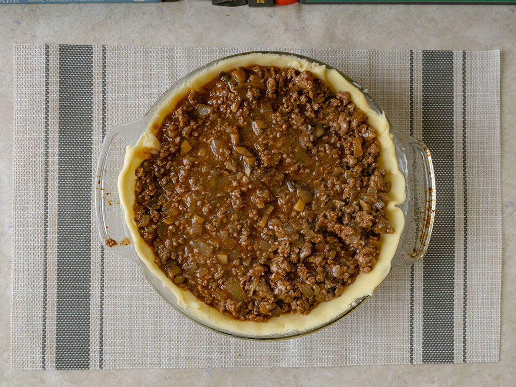 British beef and onion pie - add filing to pastry