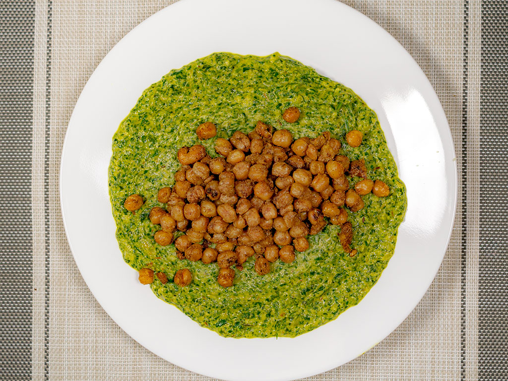 Saag with chickpeas