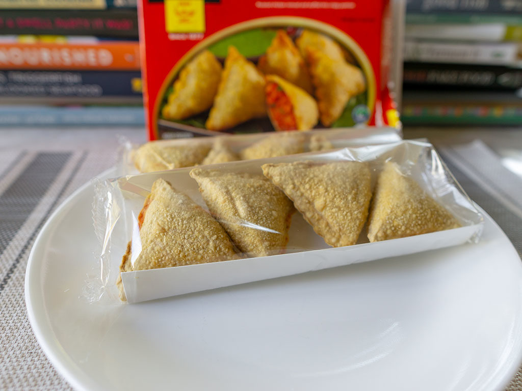 Tandoor Chef Tandoori Chicken Samosa - what's in the box