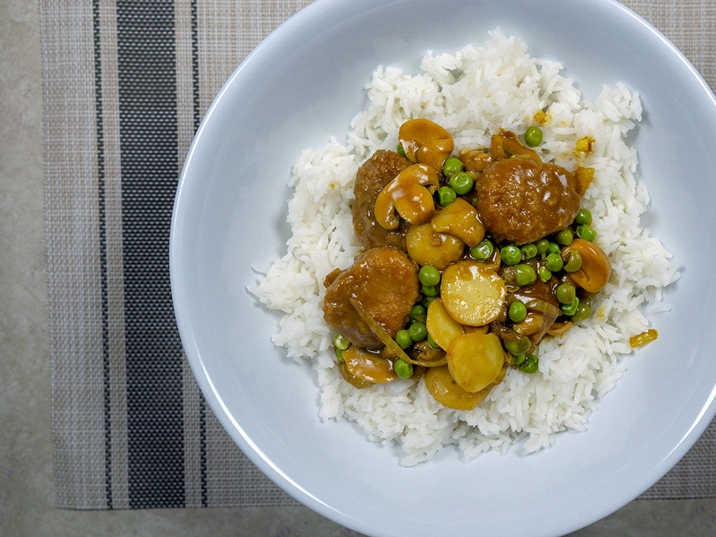 Curry chicken bites with House Foods Kokomaru Curry