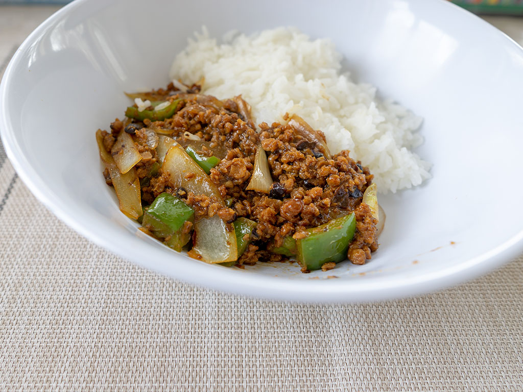 Gardein The Ultimate Beefless Ground with One Culture Foods Black Bean Sauce