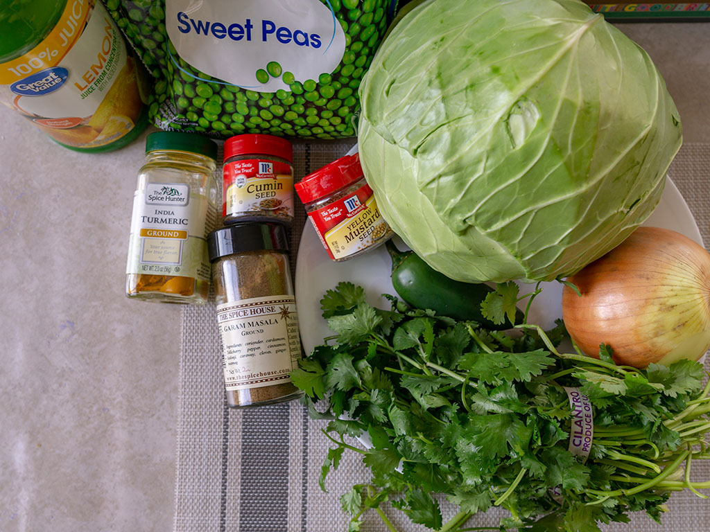 Indian cabbage and peas ingredients