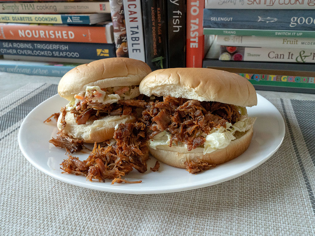 Quick pulled pork sandwiches