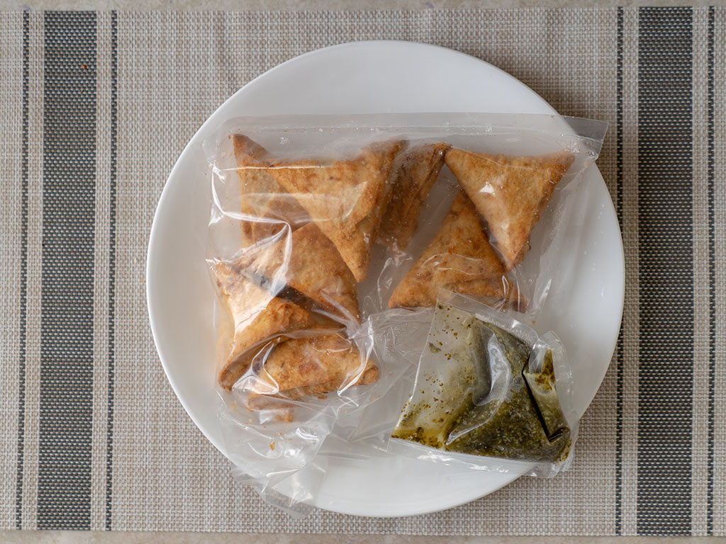 Sukhi's Chickpea Samosas whats in the box