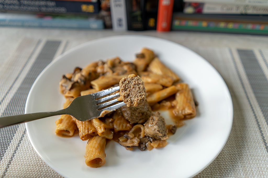 Three Bridges Rigatoni Meatballs And Mushroom Cream Sauce cooked meatball